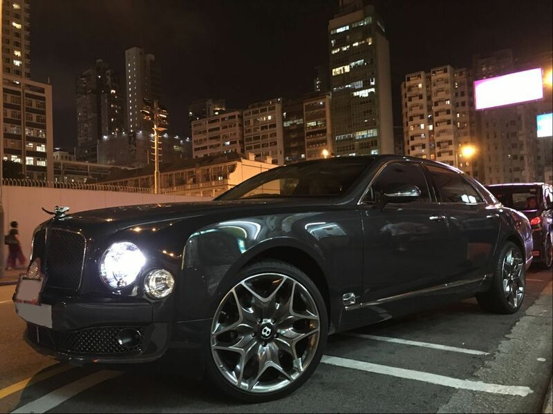 Bentley Mulsanne and Kahn Design Wheels Split 6 and wheels hk and 呔鈴