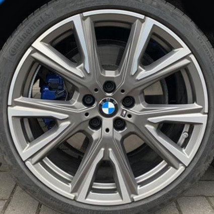 BMW F40 and 557M Wheels and 呔鈴