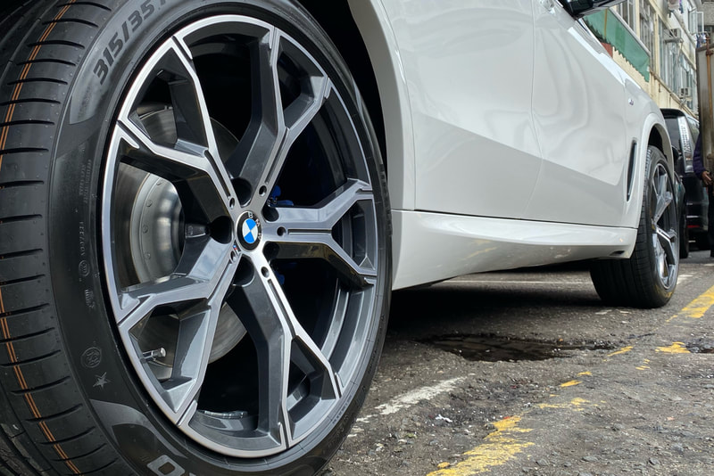 "BMW G05 X5 21"" BMW 741M Wheels"