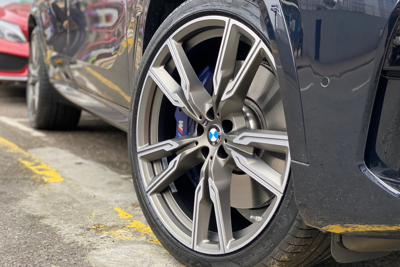 "BMW G05 X5 22"" BMW 747M wheels"