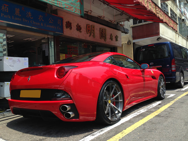 Ferrari California and Modulare Wheels B31 and 呔鈴 and wheels hk
