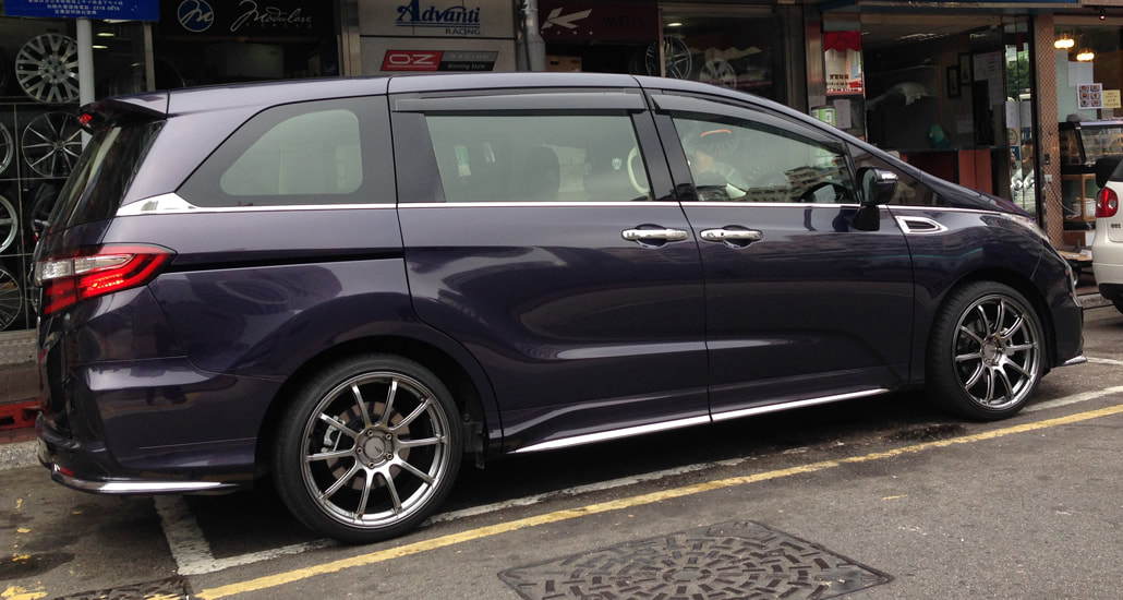 Honda Odyssey and ADVAN RSII Wheels and 呔鈴 and wheels hk