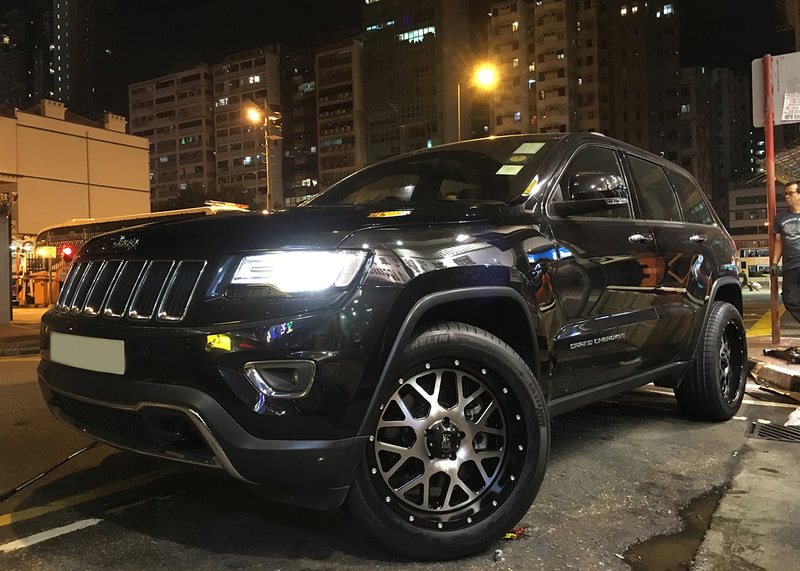 "Jeep Grand Cherokee with 20"" KMC XD820 Grenade"