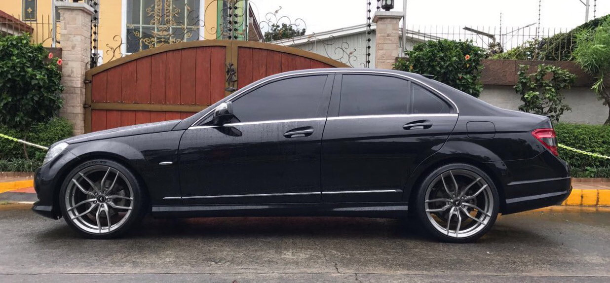 "Mercedes Benz W204 C200 with 19"" Vorsteiner V-FF105 Titanium Machined"