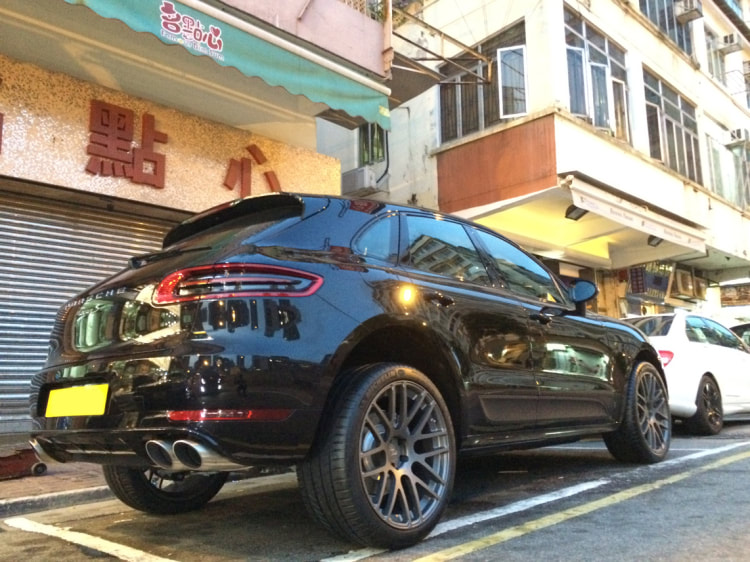 "Porsche Macan S with 21"" Modulare Wheels B14 Satin Anthracite"