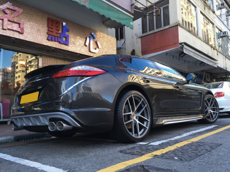Porsche Panamera and Modulare Wheels B18EVO and 呔鈴 and wheels hk