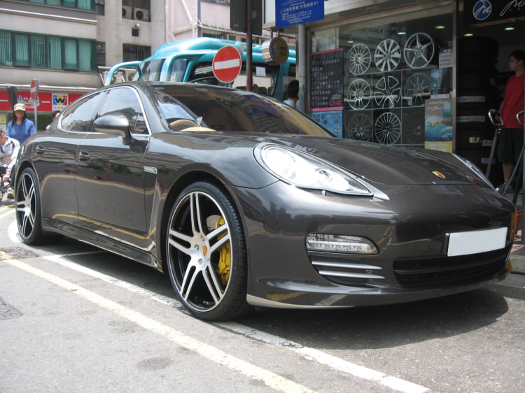 Porsche Panamera and Modulare Wheels B11 and 呔鈴 and wheels hk